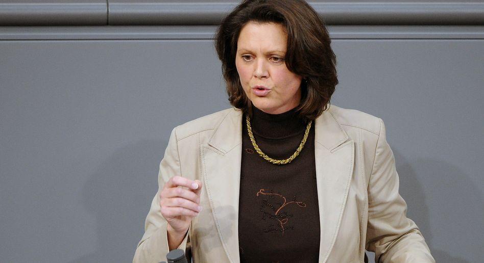 """Verbraucherschutzministerin Ilse Aigner (CSU): """"Lebensmittelkette sicherer machen"""""""