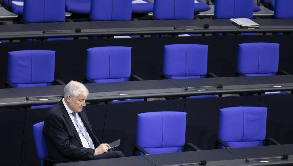 Das Bundesinnenministerium unter Horst Seehofer ist für das Reparaturgesetz verantwortlich, das die Verfassungsprobleme ausräumen soll