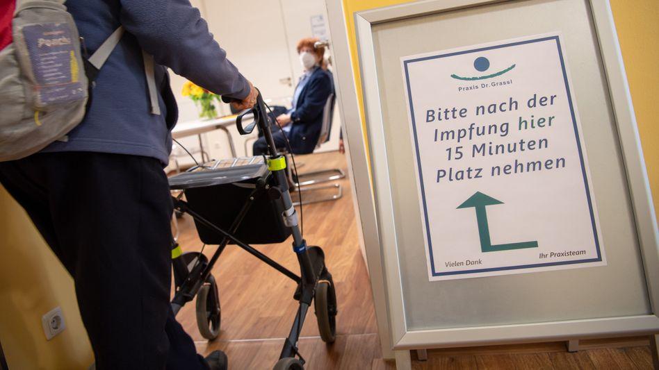 Coronaimpfung beim Hausarzt: Bürgerpflicht oder ganz eigene Entscheidung?