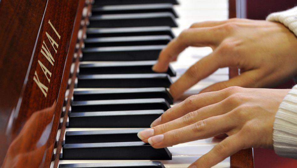 """Klavierspiel: """"Neuronale Verbesserungen bei musikalisch Trainierten"""""""
