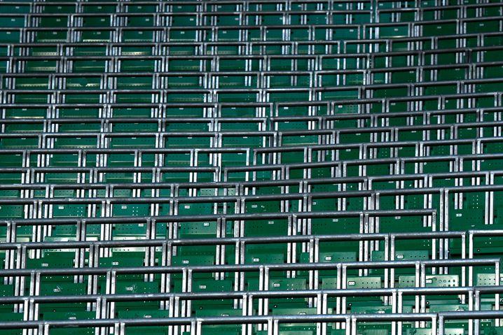 Safe Standing: Geländer mit Klappsitz im Glasgower Celtic Park
