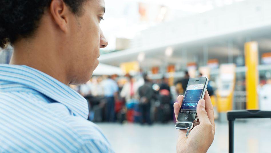 Smartphone mit Adapter zur Blutzuckermessung: E-Mails überfordern Ärzte