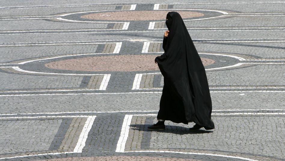 Frau mit Burka