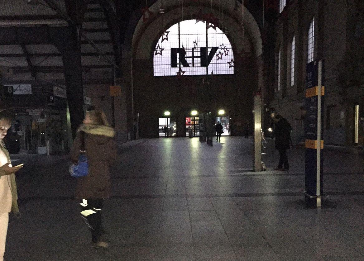 Hauptbahnhof Wiesbaden - Stromausfall