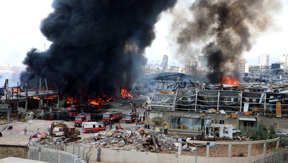 """Hafen von Beirut: In dem Lagerhaus befanden sich laut Rotem Kreuz """"Tausende Lebensmittelpakete und eine halbe Million Liter Öl"""""""
