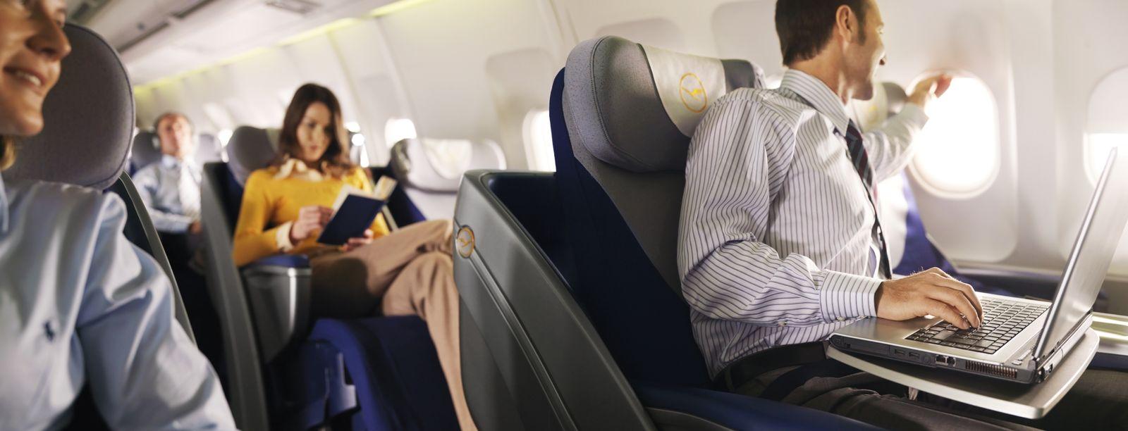 EINMALIGE VERWENDUNG Laptop-Nutzung im Flugzeug