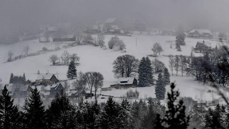 Schnee in Klingenthal (Archiv): Wintersportort in Sachsen