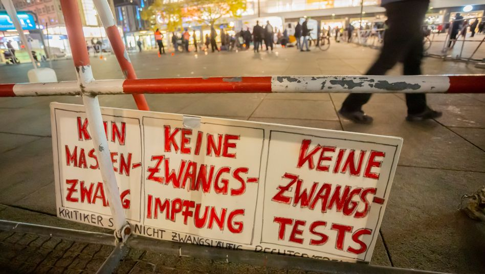 »Querdenken«-Demo im November 2020 in Berlin: Proteste gegen Corona-Auflagen