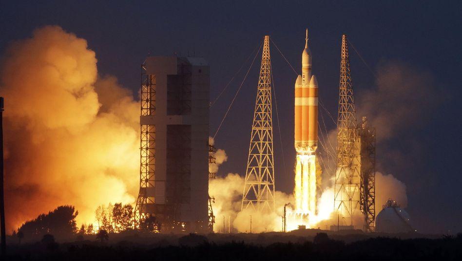 """Neues Nasa-Raumschiff: """"Orion"""" zum Jungfernflug gestartet"""