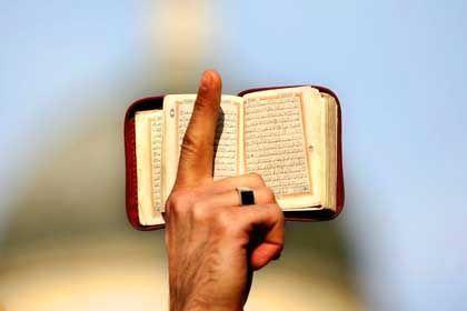 """Richterin argumentiert mit Koran: """"Die Ausübung des Züchtigungsrechts begründet keine unzumutbare Härte gemäß Paragraph 1565 BGB"""""""