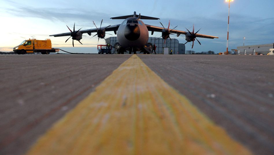 An Airbus A400M military transport plane in Hamburg -- Germany is trying to keep its influence in international aerospace group EADS.