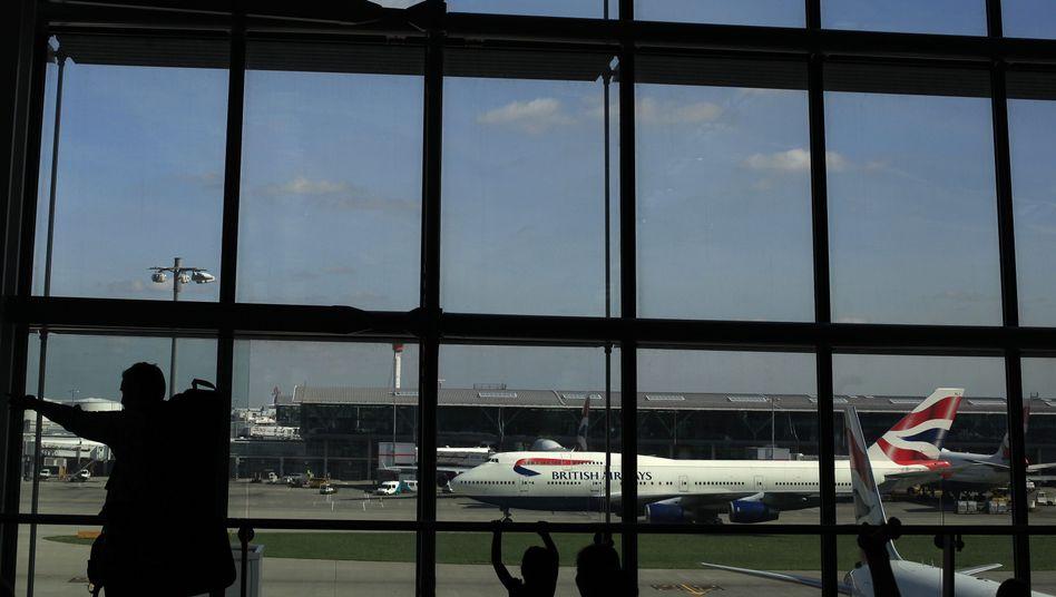 British-Airways-Maschine am Flughafen: Vom Flugzeug in die Ausnüchterungszelle