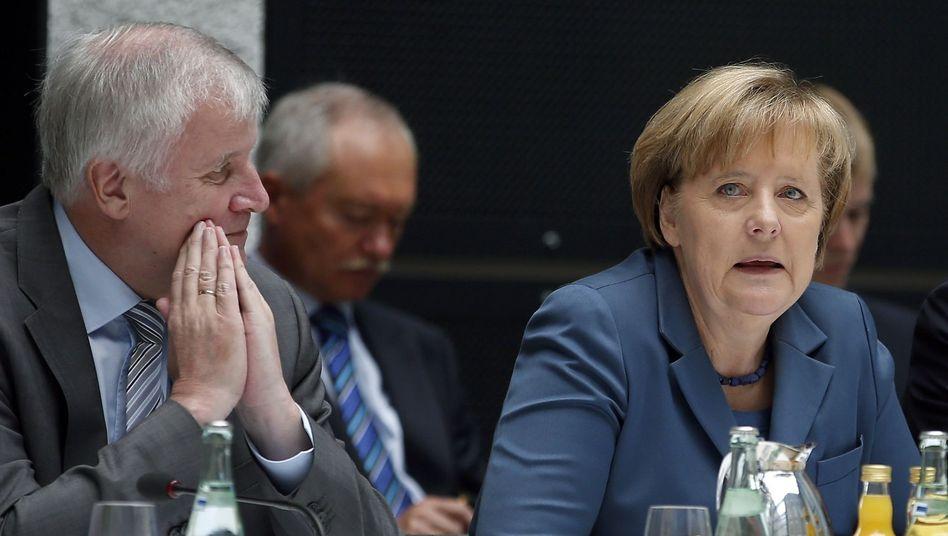 CSU-Chef Seehofer und Kanzlerin Merkel: Keine Einigkeit in der Europapolitik
