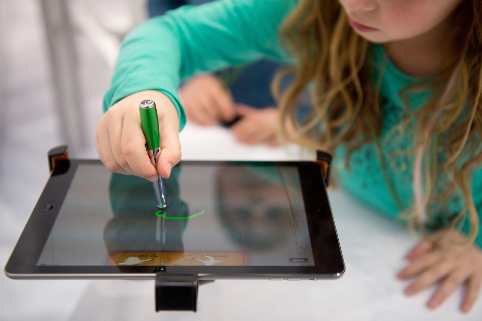 Mädchen / iPad