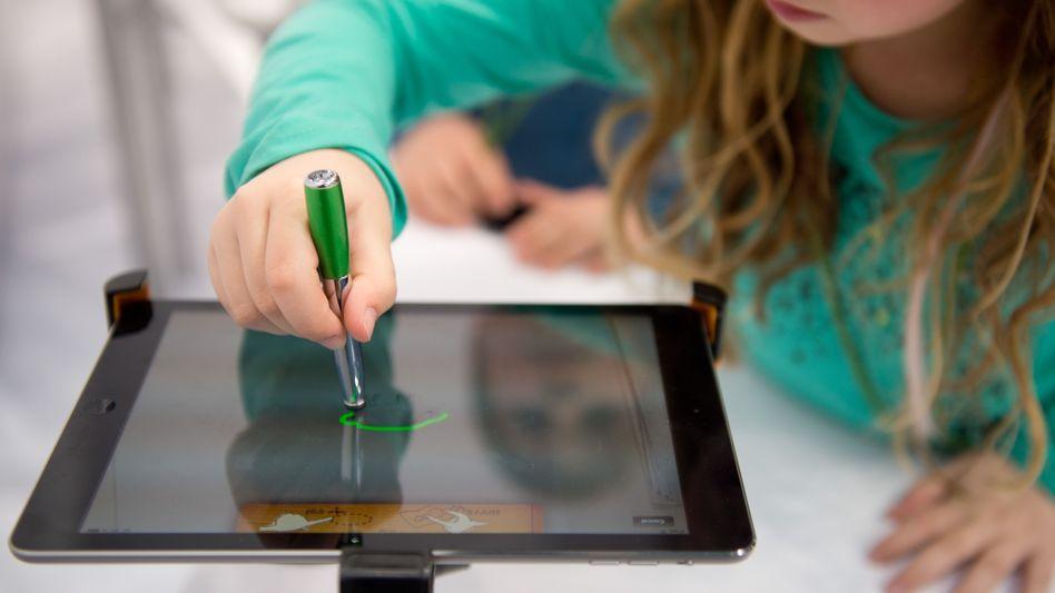 Die Bundesregierung plant kostenlose IT-Kurse für Schülerinnen und Schüler an Dutzenden Standorten in Deutschland