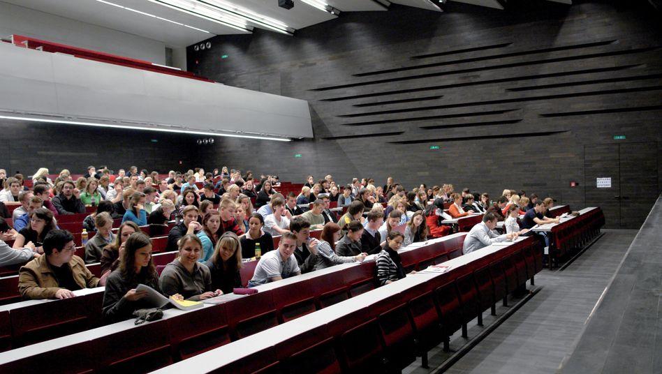 "Audimax der Uni Wien: Rappelvoll, wegen der vielen ""Piefke""?"