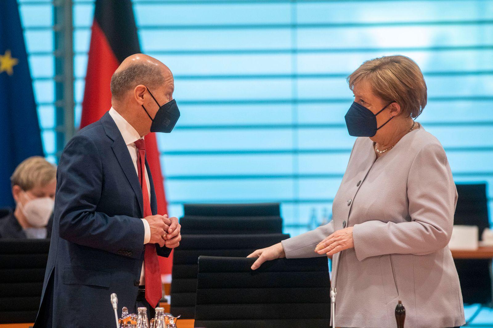 Deutschland, Berlin, Bundeskanzleramt, 145. Sitzung des Bundeskabinetts, Finanzminister Olaf Scholz SPD und Bundeskanzl