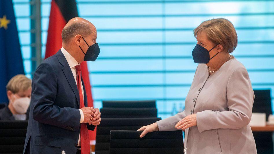 Finanzminister Scholz, Kanzlerin Merkel: Überraschende Einigkeit bei der Steuertransparenz