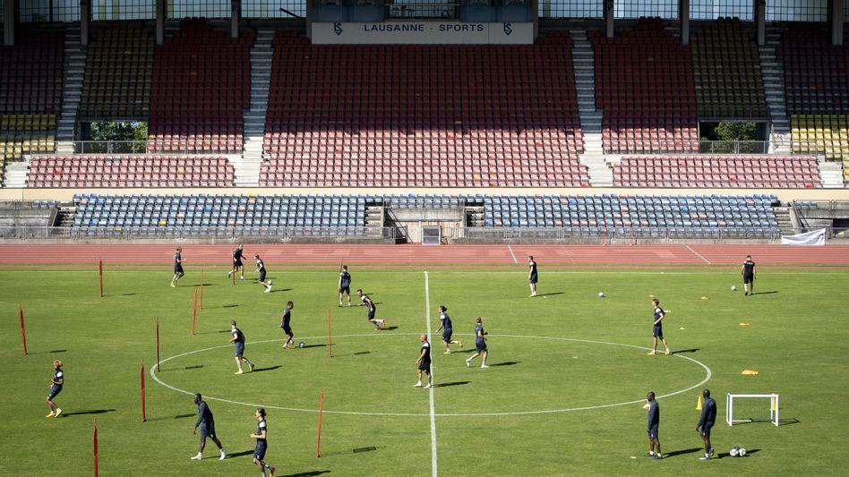 Die europäischen Fußballligen planen den Re-Start - hier bereiten sich Spieler beim Schweizer FC Lausanne vor