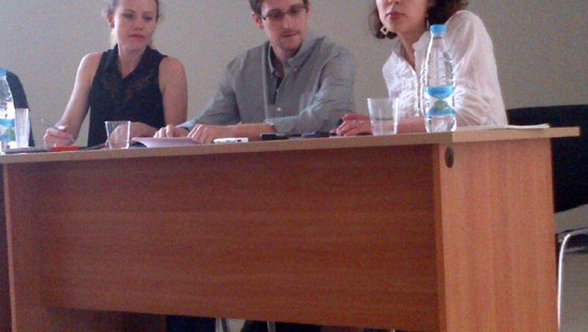 """Whistleblower Edward Snowden (während einer Pressekonferenz): Washington will, dass er """"den Anschuldigungen gegenübertritt"""""""