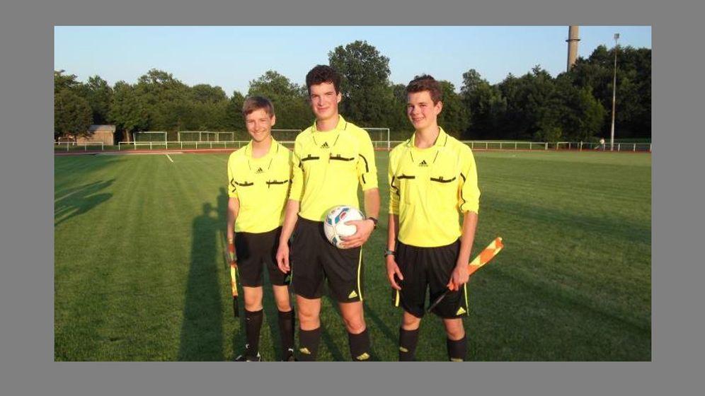 Schiedsrichter im Amateurfußball: Unbeliebt und unverzichtbar