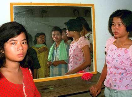Die Opfer der Kinderhändler: Nach dem Verkauf drohen Prostitution und Sklavenarbeit