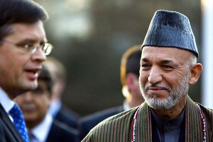Afghanischer Präsident Karzai, niederländischer Premier Balkenende vor Beginn der Konferenz: Neuer Kurs des Dialogs mit vielen Ländern aus der Krisenregion