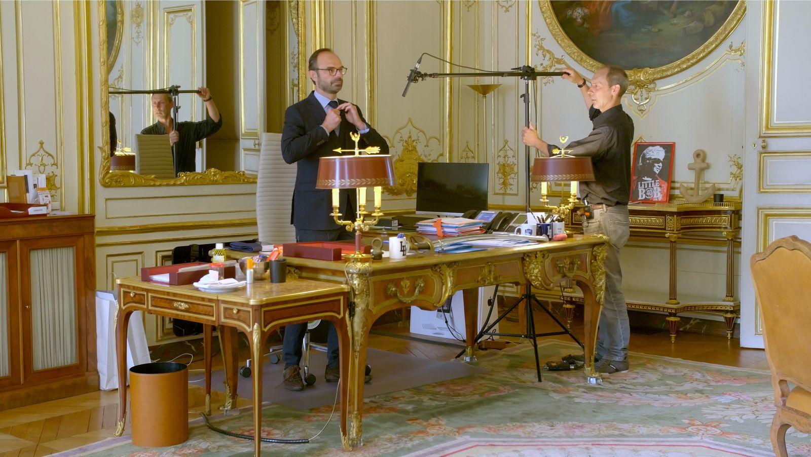 02_Noeud_pap_a_Matignon_-_Edouard,_mon_pote_de_droite_Episode_3_Aux_Manettes