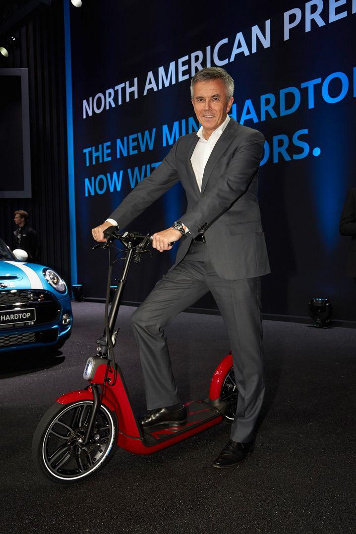BMW-Vorstand Peter Schwarzenbauer