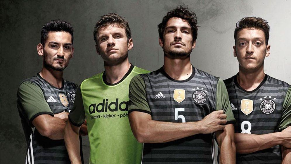 DFB-Outfits: Die Farben der Hinterhofkicker