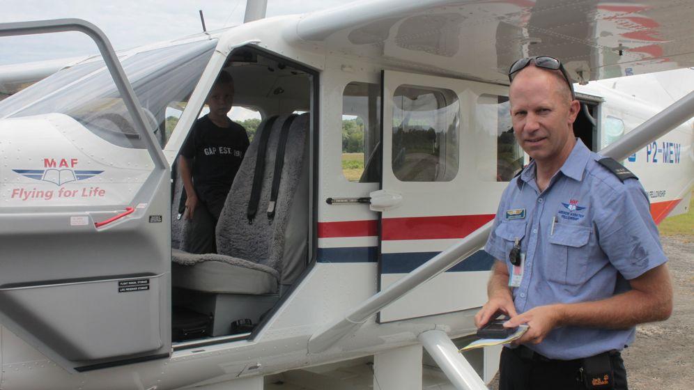 Pilot in Papua-Neuguinea: Steine im Windsack