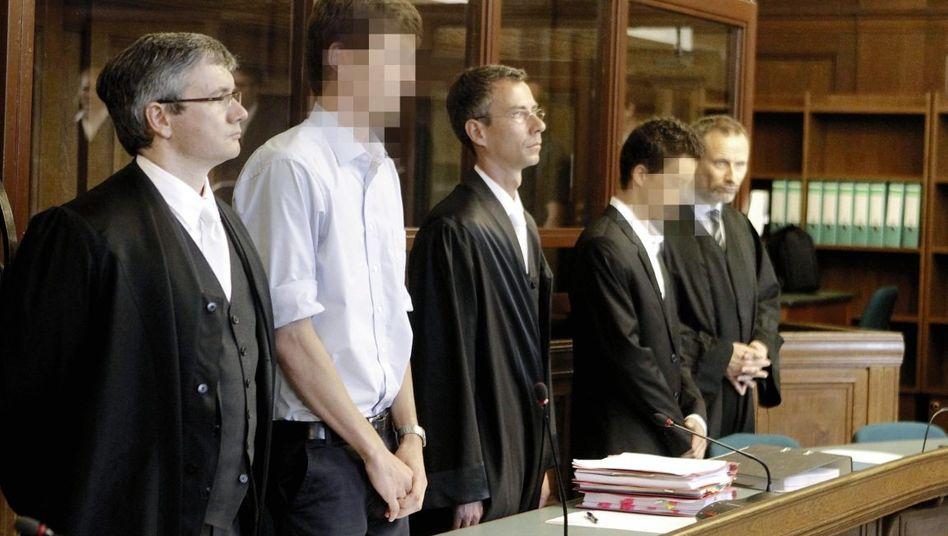 Angeklagte Torben P., Nico A. mit Anwälten