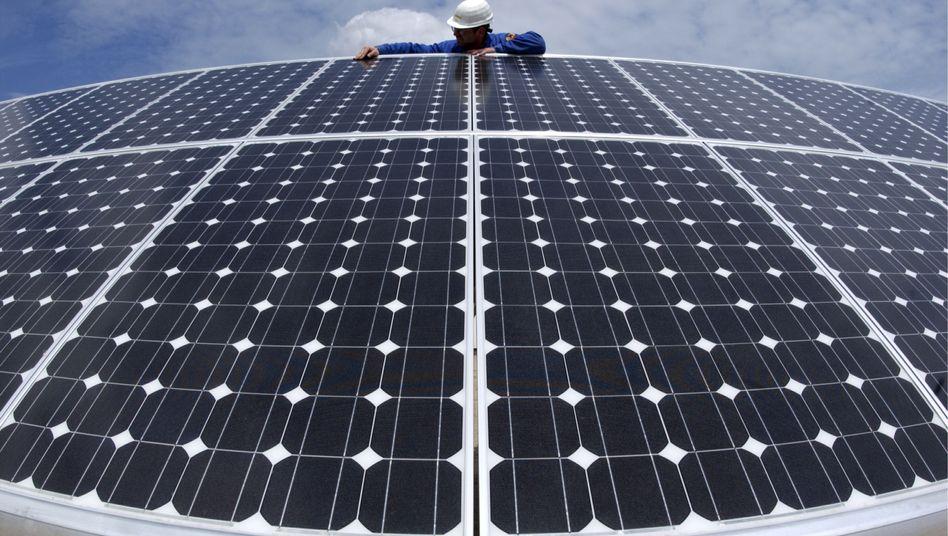 Solarzellen: Laut Studie könnten erneuerbare Energien Deutschland komplett versorgen