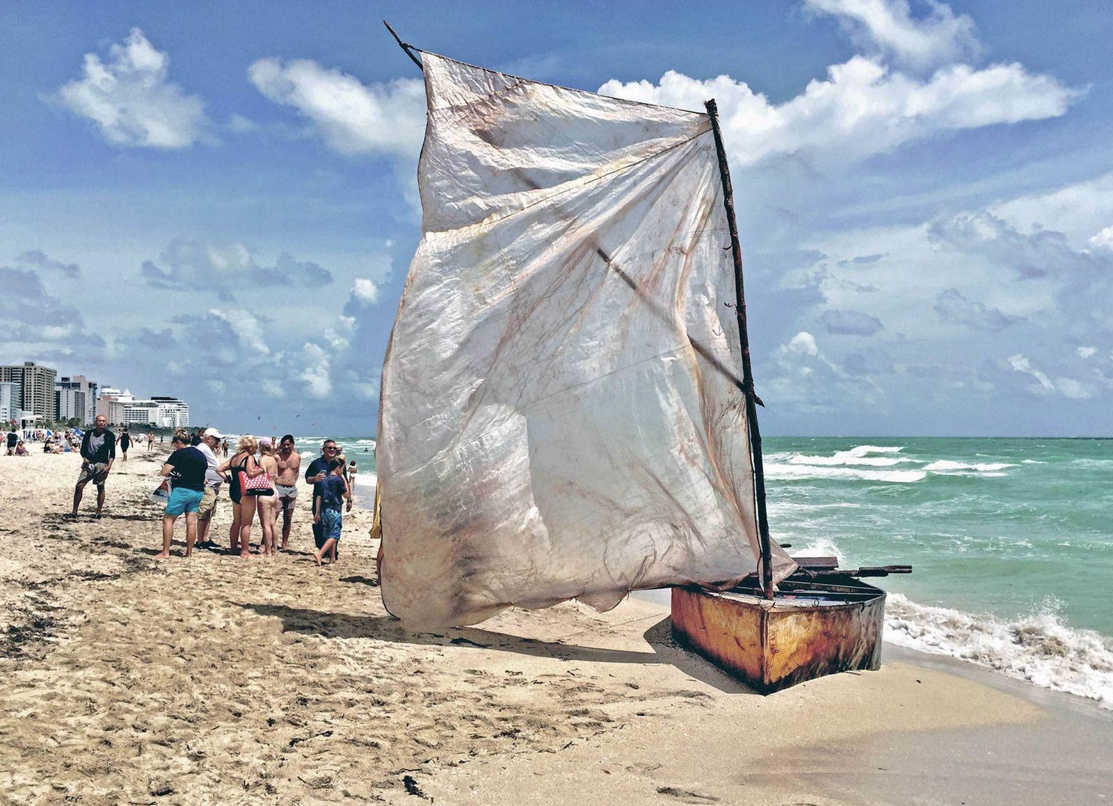 EINMALIGE VERWENDUNG Kubanische Flüchtlinge erreichen Land USA