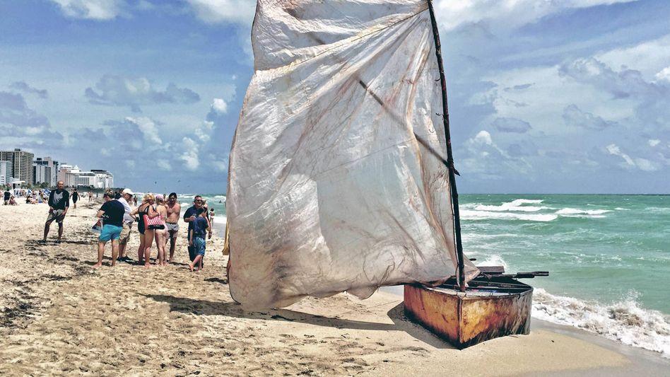 Am Strand von Miami Beach: Eine Gruppe Kubaner erreichte die USA