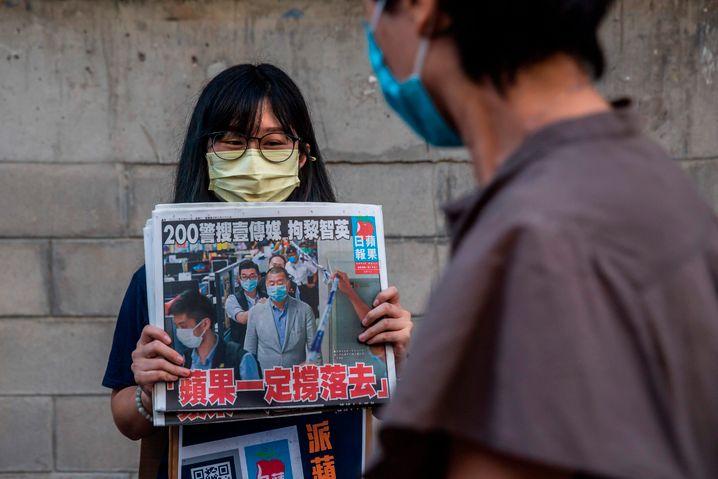 »Apple Daily«-Ausgabe nach der Festnahme Jimmy Lais: Der Gründer der Zeitung gilt als einer der prominentesten Regierungskritiker in Hongkong