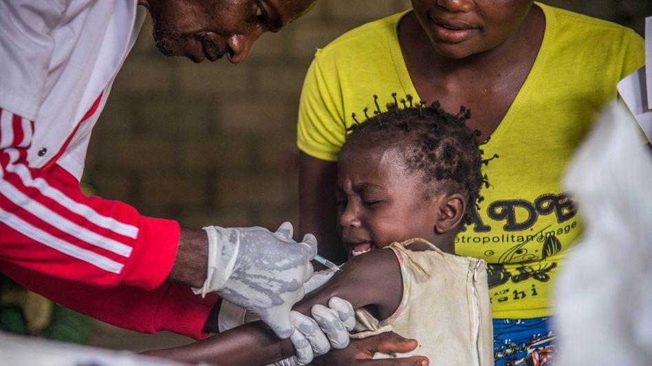 Masernimpfung in der Demokratischen Republik Kongo: Maßnahmen von Regierungen und NGOs drohen zunichtegemacht zu werden