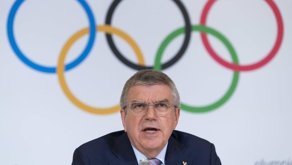 IOC-Präsident Thomas Bach bewirbt sich um eine zweite Amtszeit und lässt sich dafür feiern