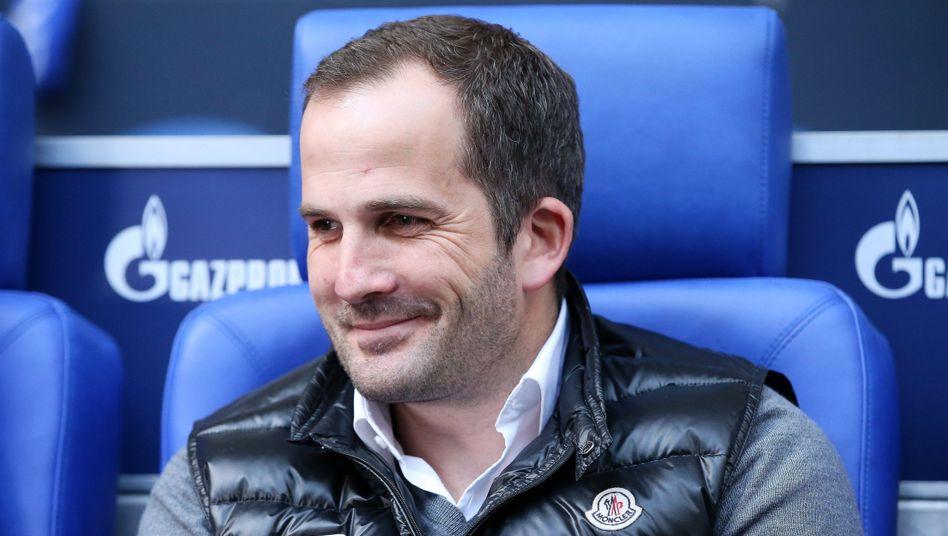 2017 noch mit dem FC Augsburg in Gelsenkirchen zu Gast, soll Manuel Baum nun auf der Schalke-Trainerbank Platz nehmen