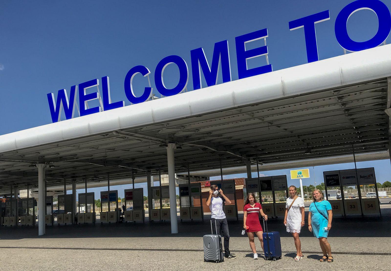 """""""Healthy holiday"""" amid coronavirus in Turkey"""