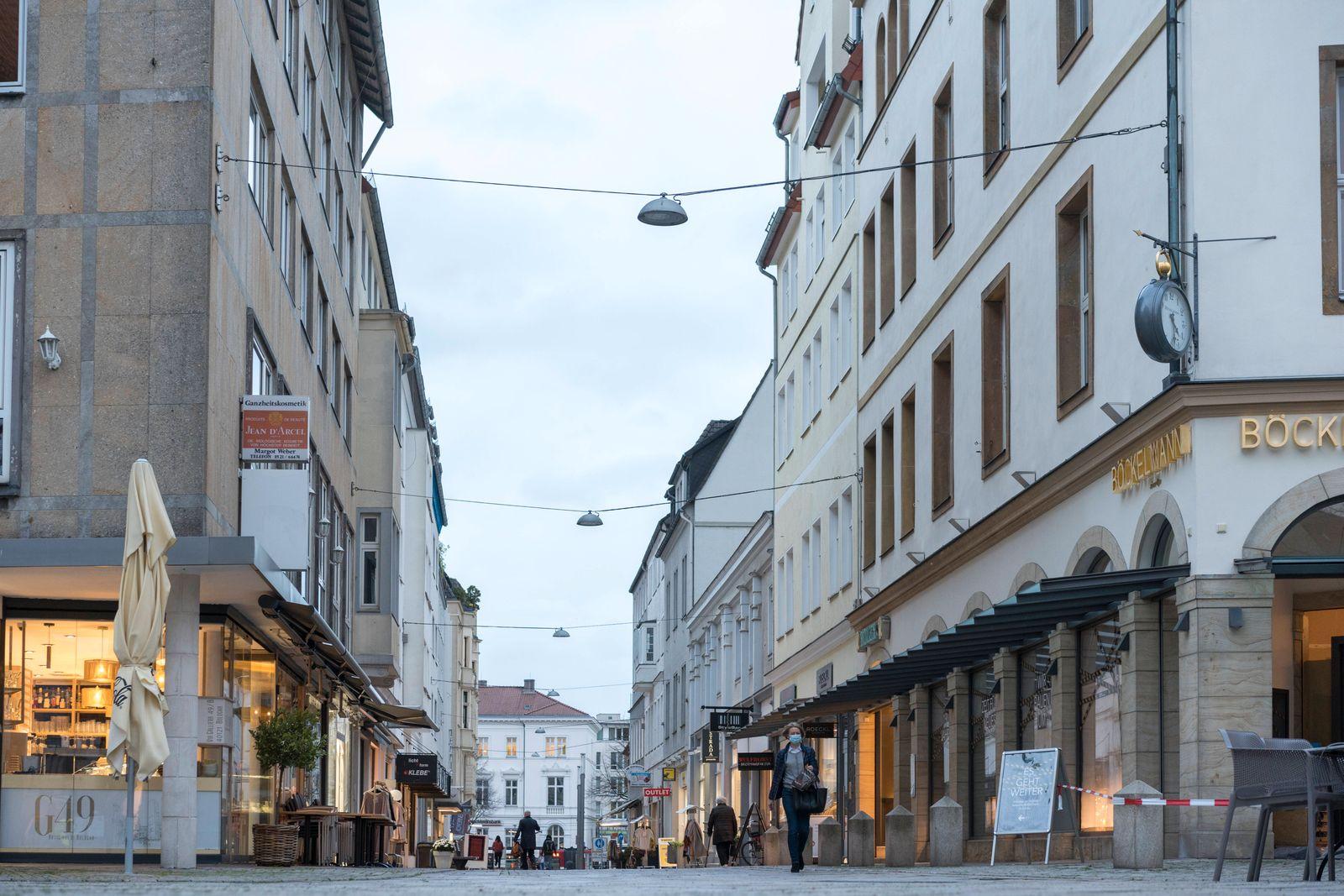 Rathausstraße Fußgänger- und Einkaufsstraße Rathausstraße in Bielefeld,shopping and pedestrian street Rathausstraße in
