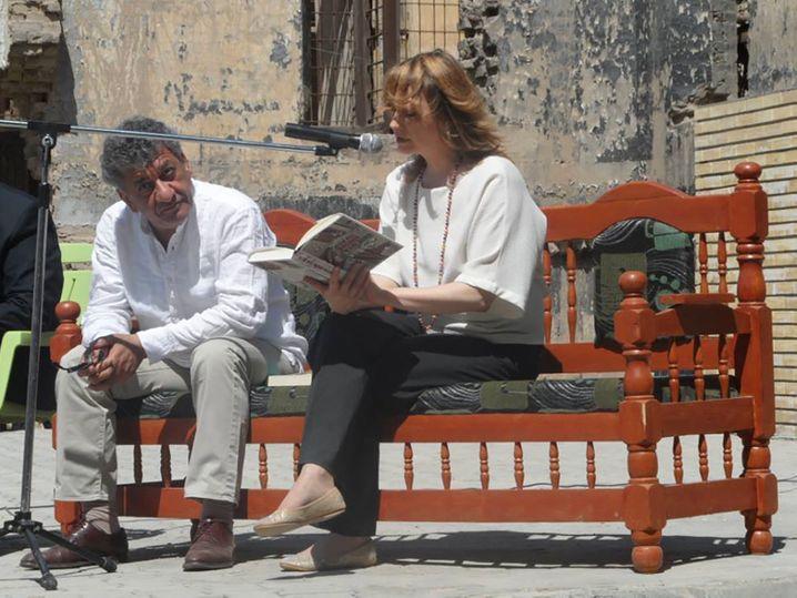 """Najem Wali und Hella Mewis gemeinsam bei der Lesung von """"Bagdad Marlboro"""""""
