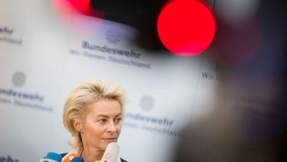 """Verteidigungsministerin von der Leyen: """"Voll auf die Defensive"""""""