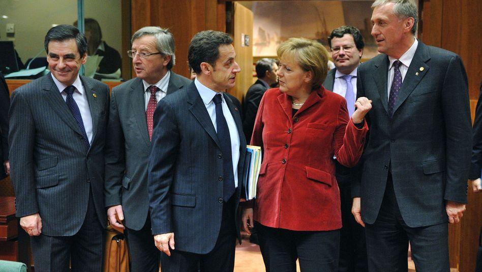 """Juncker (2.v.l.), Sarkozy, Merkel (mit Kollegen): """"Tabuzonen in Europa"""""""