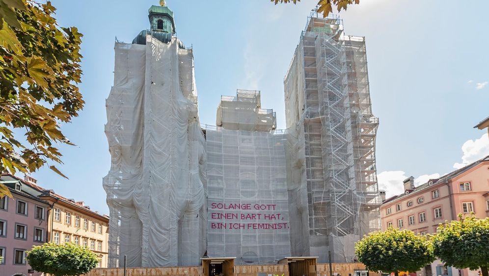 Innsbruck: Kreuzstiche gegen das Patriarchat