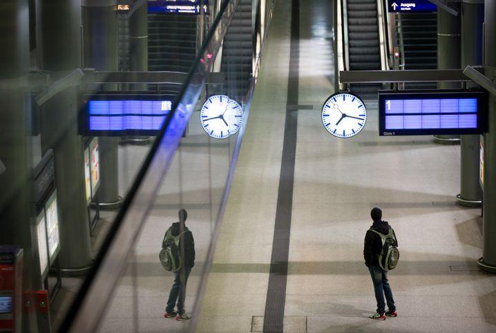 Auch Bahnhofsuhren könnten Dank Relay bald vernetzt sein - und die korrekte Uhrzeit anzeigen