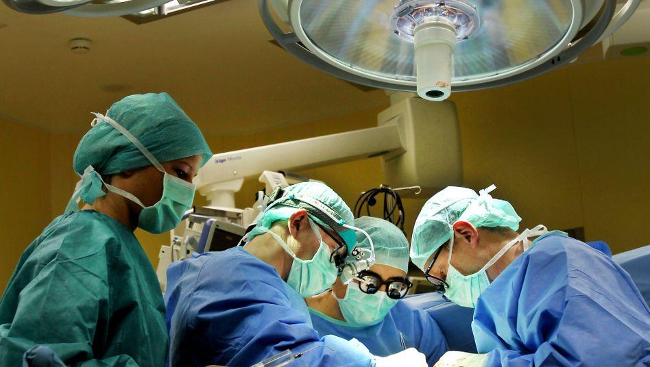 Operation in deutscher Klinik: Qualität soll größere Rolle spielen