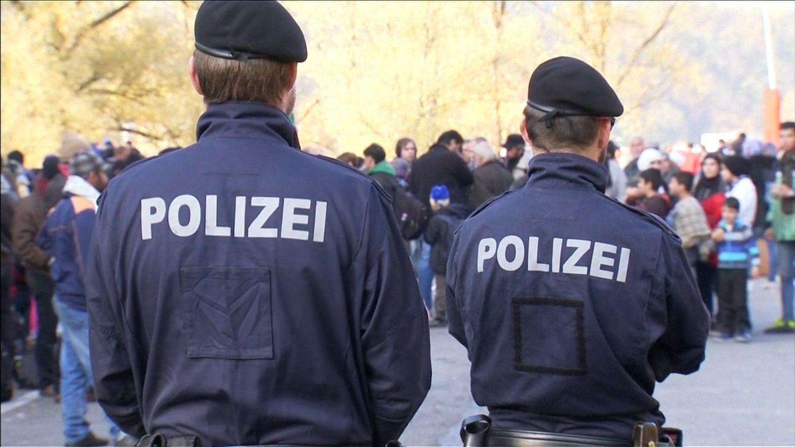 Polizei und Flüchtlinge