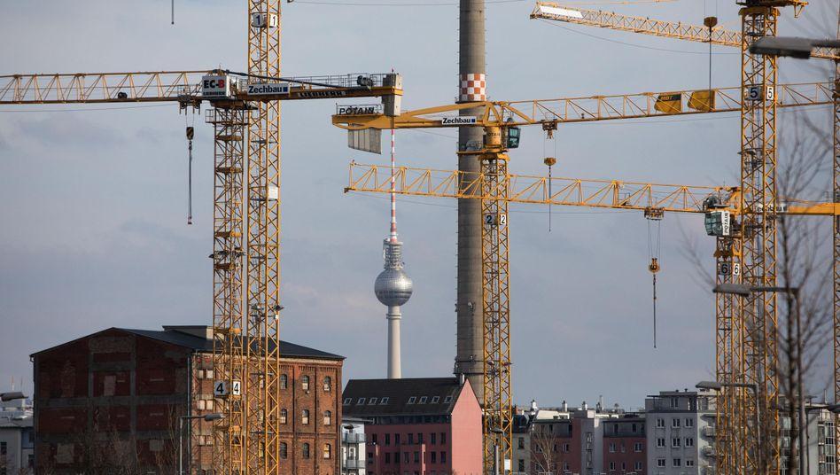 Berlin: Blick auf die Baukräne (Symbolfoto)
