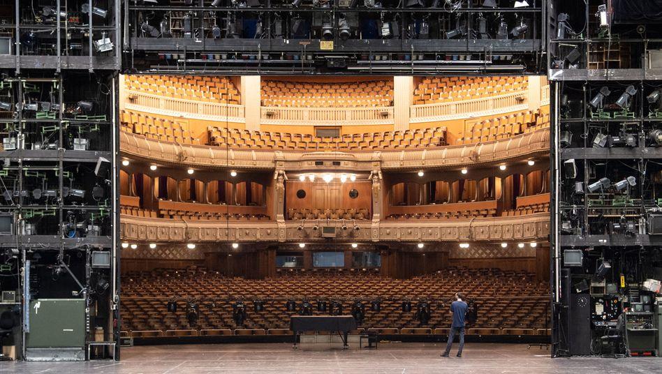 Opernhaus Stuttgart (2020): Theater zu, Kino zu, Klub zu